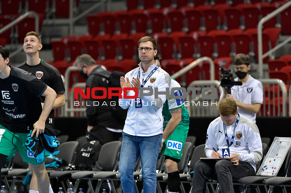 21.11.2020, Duesseldorf, ISS Dome, GER, 1.Liqui Moly HBL,  BHC06 vs. Fuechse Berlin<br /><br />1.Liqui Moly HBL  regulations prohibit any use of photographs as image sequences and/or quasi-video<br />im Bild Trainer Jaron Siewert ( Fuechse Berlin #96 ).<br /><br /><br />Foto © nordphoto / freund *** Local Caption ***