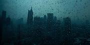 """""""Una vez soñé con el cielo. Había gente en esas nubes, en silencio, con la mirada perdida, y sus ilusiones ahogadas en un llanto de invierno"""".<br /> <br /> <br /> Sombras de asfalto / Ciudad de Panamá.<br /> <br /> Edición de 10   Víctor Santamaría."""