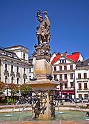 Fontanna i figura św. Floriana na rynku w Cieszynie, Polska<br /> Fountain and statue of St. Florian on the market place in Cieszyn, Poland
