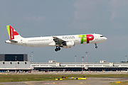 CS-TJE TAP - Air Portugal Airbus A321-211 at Malpensa (MXP / LIMC), Milan, Italy