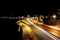 Ålesund 12012011.<br /> Biler kjører forbi på innfartsveien til Ålesund. Fotografert fra gangbroen ved Sunnmørshallen.<br /> <br /> Cars driving on the main road to Aalesund city. <br /> <br /> Foto: Svein Ove Ekornesvåg