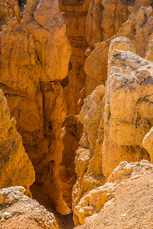 Looking down on rock stuctures called hoodoos in Bryce Canyon National Park, Utah, USA.
