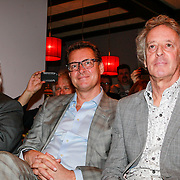NLD/Haarzuilens /20130415 - Uitreiking verzamelbox Kunt u me de weg naar Hamelen vertellen, meneer?, Han Peekel, Albert Verlinde, Hans van Willigenburg