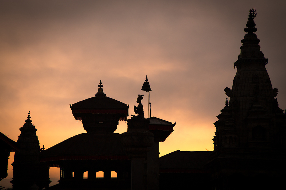 Temples Silhouette before sunrise in Bhakthapur Durbarsquare, Nepal. Photo by Lorenz Berna