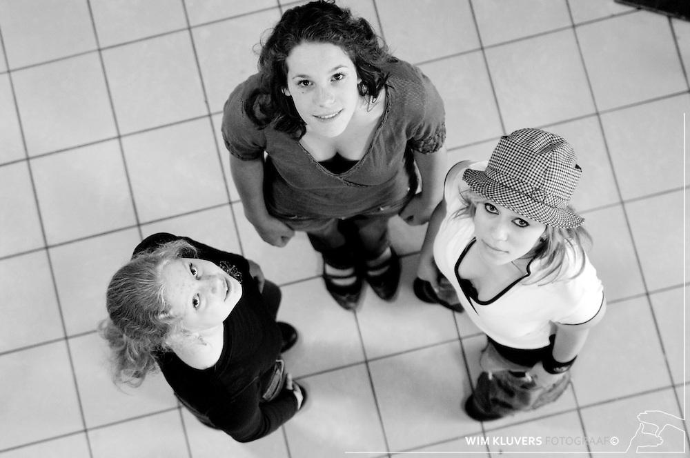 Hilversum 20070601<br /> ISIS, Q5, Stedelijk gymnasium, Marieke Schilderman (Petje) , Joske de Light ( bruin t shirt), Jill Peters ( Groen truitje)