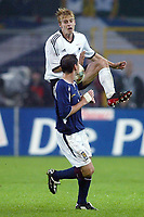 Fotball<br /> EM-kvalifisering<br /> 10.09.2003<br /> Tyskland v Skottland<br /> NORWAY ONLY<br /> Foto: Digitalsport<br /> <br /> v.l.  Tobias RAU - Gary NAYSMITH