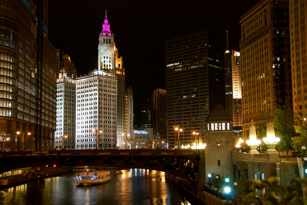 View of Chicago River at Wabash Avenue