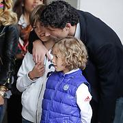 NLD/Amsterdam/20120604 - Vertrek Nederlands Elftal voor EK 2012, Mark van Bommel met zoontjes