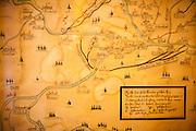 """Historische Landkarte in Oberplan (Horni Plana). """"Das einstige Sudetengebiet, deutsche Dörfer in der tschechischen Grenzregion, ist eine Welt für sich - mit ihren Bergen und der fast unberührten Natur ist es aber eine schöne Welt. Und das ist, was beide verbindet: Tschechen und Deutsche. Angesiedelte und Vertriebene."""""""
