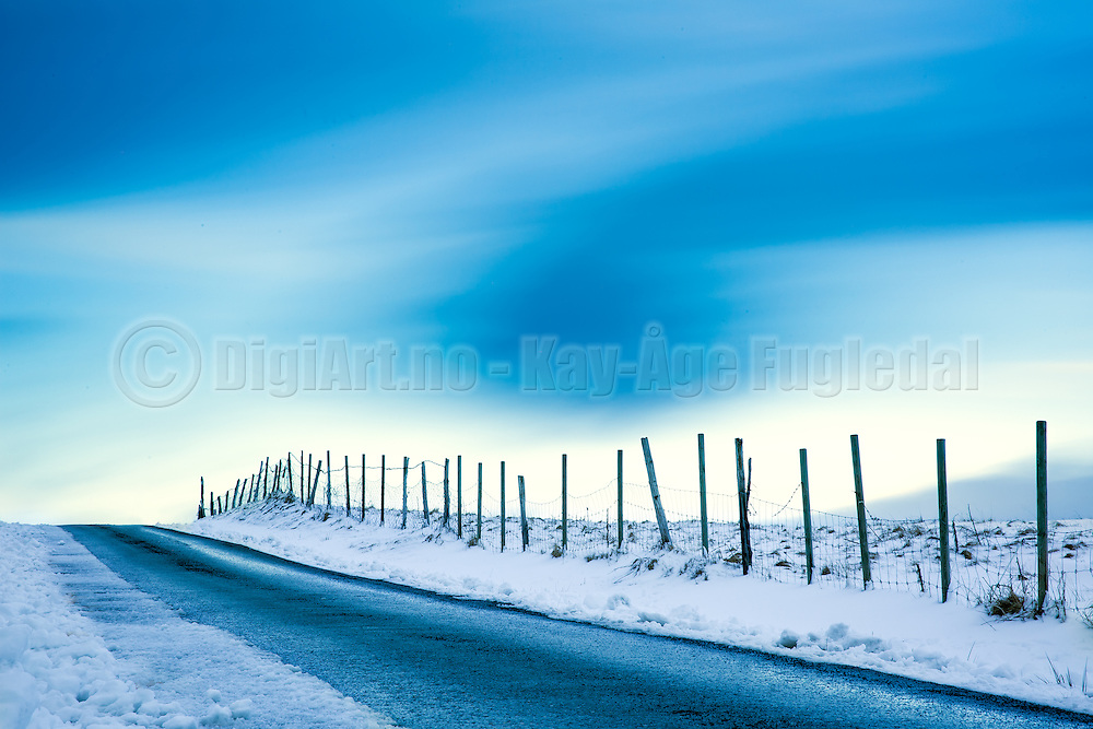Road to ethernity, long exposure for soft clouds | Veien til evigheten, med lang eksponering for slørete skyer.