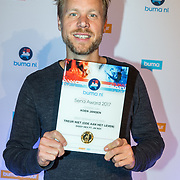 NLD/Utrecht/20171002 - Uitreiking Buma NL Awards 2017, Diggy  Dex ft. JW Roy winnen de award Meest Gedraaid op de Radio  - Senna Performers Award