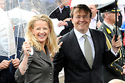 Koninginnedag 2010 . De Koninklijke familie in het zeeuwse Wemeldinge. / Queensday 2010. The Royal Family in Wemeldinge<br /> <br /> op de foto / on the photo :  Prinses Mabel en Prins Friso