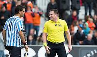 BLOEMENDAAL - Scheidsrechter  MEJZLIK Jakub (CZE)  tijdens de kwartfinale van de EHL (Euro Hockey League) wedstrijd tussen de mannen van Oranje Zwart (Eindhoven) en Club Egara (Spanje) (4-1). FOTO KOEN SUYK