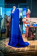 Bewonder de jurken van Maxima en Lady Gaga in real life in Centraal Museum.