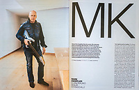 Double spread for El País Semanal week-end magazine on guitarist Mark Knopfler. Double page dans le magazine El País Semanal avec une photo de Mark Knopfler .