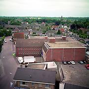 NLD/Huizen/19930929 - Overzicht vanaf de Oude kerk Huizen van de keucheniusstraat met het oude kaaspakhuis