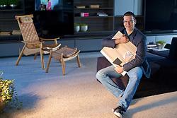 O gerente de design da Dell Anno, Marlon Braga, no show room da marca em Bento Gonçalves. FOTO: Jefferson Bernardes/Preview.com