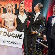 NLD/Amsterdam/20161025 - finale Holland Next Top model 2016, Anouk Smulders - Voorveld, Anna Nooshin, Fred van Leer, fotograaf Alek Bruessing