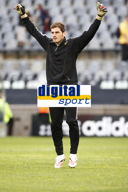 Fotball<br /> Confederations Cup<br /> Spania v Irak<br /> 17.06.2009<br /> Foto: Colorsport/Digitalsport<br /> NORWAY ONLY<br /> <br /> Iker Casillas (c) of Spain and Real Madrid  <br /> <br /> FIFA Confederations Cup South Africa 2009 <br /> Spain v Iraq Group B at Free State  Stadium Mangaung / Bloemfontein South Africa