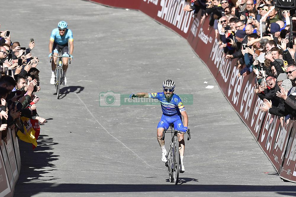 March 9, 2019 - Siena, Italia - Foto LaPresse - Fabio Ferrari.09 Marzo 2019 Siena (Italia).Sport Ciclismo.Strade Bianche 2019 - Gara uomini - da Siena a Siena - 184 km (114,3 miglia).Nella foto: Julian Alaphilippe (Deceuninck - Quick-Step), vincitore..Photo LaPresse - Fabio Ferrari.March, 09 2019 Siena (Italy) .Sport Cycling.Strade Bianche 2018 - Men's race - from Siena to Siena - 184 km (114,3 miles).In the pic: Julian Alaphilippe (Deceuninck - Quick-Step) , winner (Credit Image: © Fabio Ferrari/Lapresse via ZUMA Press)