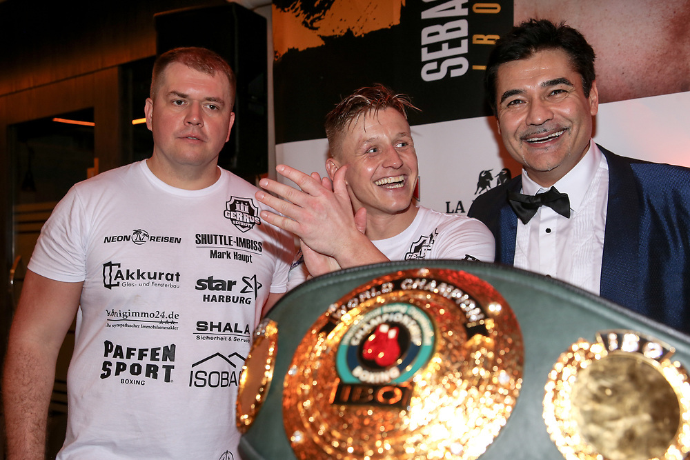 BOXEN: EC Boxing & SES Boxing, Hamburg, 18.01.2020<br /> Pressekonferenz: Sebastian Formella und Promoter Erol Ceylan (EC Boxing)<br /> © Torsten Helmke
