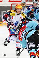 24.03.2011, Rapperswil-Jona, Eishockey NLA Playout, Rapperswil-Jona Lakers - HC Ambri-Piotta, Andreas Furrer (LAK) gegen Inti Pestoni (AMB)  (Thomas Oswald/hockeypics)