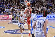 DESCRIZIONE : Beko Legabasket Serie A 2015- 2016 Dinamo Banco di Sardegna Sassari - Olimpia EA7 Emporio Armani Milano<br /> GIOCATORE : Krunoslav Simon<br /> CATEGORIA : Tiro Tre Punti Three Point Ultimo Tiro Buzzer Beater<br /> SQUADRA : Olimpia EA7 Emporio Armani Milano<br /> EVENTO : Beko Legabasket Serie A 2015-2016<br /> GARA : Dinamo Banco di Sardegna Sassari - Olimpia EA7 Emporio Armani Milano<br /> DATA : 04/05/2016<br /> SPORT : Pallacanestro <br /> AUTORE : Agenzia Ciamillo-Castoria/L.Canu