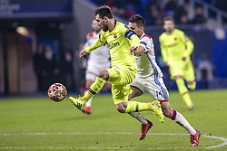February 19, 2019 - Lyon, França - LYON, LY - 19.02.2019: LYON X BARCELONA - Lionel Messi of Barcelona and Dubois of Lyon during the match between Lyon and Barcelona held at Parc Olympique Lyonnais in Lyon. The match is valid for the octaves of the Champions League 2018/2019. (Credit Image: © Richard Callis/Fotoarena via ZUMA Press)