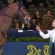 NLD/Amsterdam/20190125- Jumping Amsterdam 2019, Margarita de Bourbon de Parme wijst naar een paard