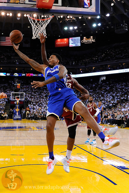 December 25, 2015; Oakland, CA, USA; Golden State Warriors forward Brandon Rush (4) shoots the basketball during the second quarter in a NBA basketball game on Christmas against the Cleveland Cavaliers at Oracle Arena. The Warriors defeated the Cavaliers 89-83.