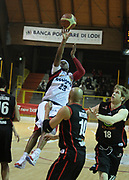 DESCRIZIONE : Lodi Lega A2 2009-10 Campionato UCC Casalpusterlengo - Riviera Solare RN<br /> GIOCATORE : Michael Cuffee<br /> SQUADRA : UCC Casalpusterlengo<br /> EVENTO : Campionato Lega A2 2009-2010<br /> GARA : UCC Casalpusterlengo Riviera Solare RN<br /> DATA : 14/03/2010<br /> CATEGORIA : Tiro<br /> SPORT : Pallacanestro <br /> AUTORE : Agenzia Ciamillo-Castoria/D.Pescosolido