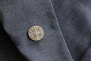 's-HERTOGENBOSCH Draag insigne behorende bij de Penning van de Provincie Noord Brabant
