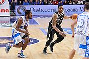 DESCRIZIONE : Campionato 2014/15 Dinamo Banco di Sardegna Sassari - Dolomiti Energia Aquila Trento Playoff Quarti di Finale Gara4<br /> GIOCATORE : Jamarr Sanders<br /> CATEGORIA : Palleggio<br /> SQUADRA : Dolomiti Energia Aquila Trento<br /> EVENTO : LegaBasket Serie A Beko 2014/2015 Playoff Quarti di Finale Gara4<br /> GARA : Dinamo Banco di Sardegna Sassari - Dolomiti Energia Aquila Trento Gara4<br /> DATA : 24/05/2015<br /> SPORT : Pallacanestro <br /> AUTORE : Agenzia Ciamillo-Castoria/L.Canu