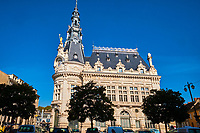 France, Bourgogne-Franche-Comté, Yonne (89), Sens, l' Hôtel-de-ville // France, Burgundy, Yonne, Sens, City Hall