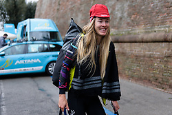 Hannah Barnes on her way to the camper at Strade Bianche - Elite Women 2018 - a 136 km road race on March 3, 2018, starting and finishing in Siena, Italy. (Photo by Sean Robinson/Velofocus.com)