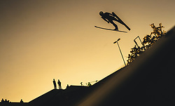 29.09.2018, Energie AG Skisprung Arena, Hinzenbach, AUT, FIS Ski Sprung, Sommer Grand Prix, Hinzenbach, im Bild Simon Ammann (SUI) // Simon Ammann of Switzerland during FIS Ski Jumping Summer Grand Prix at the Energie AG Skisprung Arena, Hinzenbach, Austria on 2018/09/29. EXPA Pictures © 2018, PhotoCredit: EXPA/ JFK