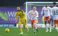 Oxford United's James Henry under pressure from Blackpool's Callum Guy<br /> <br /> Photographer Kevin Barnes/CameraSport<br /> <br /> The EFL Sky Bet League One - Oxford United v Blackpool - Saturday 15th December 2018 - Kassam Stadium - Oxford<br /> <br /> World Copyright © 2018 CameraSport. All rights reserved. 43 Linden Ave. Countesthorpe. Leicester. England. LE8 5PG - Tel: +44 (0) 116 277 4147 - admin@camerasport.com - www.camerasport.com
