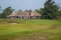 HILVERSUM - green hole 18.  Met  het nieuwe clubhuis . Hilversumsche Golf Club, COPYRIGHT  KOEN SUYK