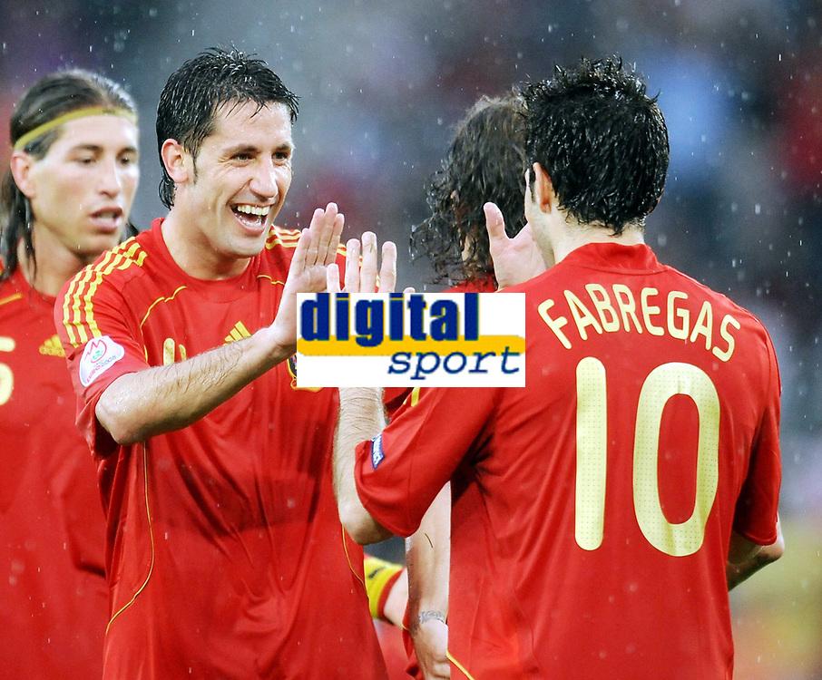Jubel 4:1 v.l. Carlos Marchena , Cesc Fabregas Spanien<br /> EURO 2008 Vorrunde Spanien - Russland 4:1<br /> <br /> Spania - Russland<br /> <br /> Norway only
