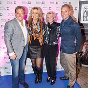 NLD/Laren/20151101 - 10de Free a Girl gala 2015, Gerard Joling en partner Natasja Kunst, moeder Annemarie Bartels en haar broer