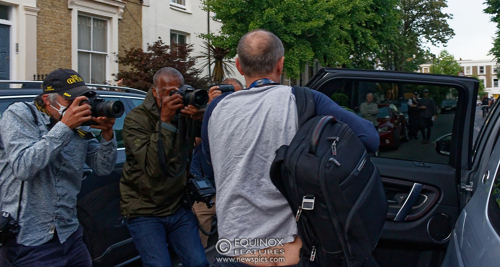 London, United Kingdom - 26 May 2020<br /> ** DOMINIC CUMMINGS REVEALS BUM CLEAVAGE ** <br /> MINIMUM FEE £150 - Boris Johnsons political advisor Dominic Cummings reveals his bum cleavage resulting from a wardrobe malfunction with his jogging pants while arriving home. The scene at Dominic Cummings home in North London today where two or three supporters turned up to support of him as he arrived home. Islington, London, England, UK.<br /> **VIDEO AVAILABLE**<br /> (photo by: JKM / EQUINOXFEATURES.COM)<br /> Picture Data:<br /> Photographer: JKM / Equinox Features<br /> Copyright: ©2020 Equinox Licensing Ltd. +443700 780000<br /> Contact: Equinox Features<br /> Date Taken: 20200526<br /> Time Taken: 20262100<br /> www.newspics.com