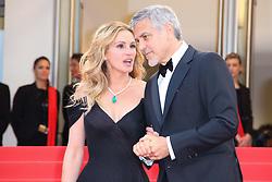 May 13, 2016 - Cannes, Provence-Alpes-Cote-D-Azur, France - Julia Roberts et George Clooney - CANNES 2016 - MONTEE DES MARCHES DU FILM 'MONEY MONSTER' (Credit Image: © Visual via ZUMA Press)