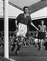 Derek Saunders (Chelsea) 26/9/53. Wolverhampton Wanderers v Chelsea 1953 / 54 season. Credit : Colorsport