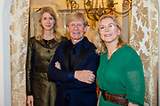 Opening te zijn van Addy van den Krommenacker's nieuwe onderkomen. Per februari vestigt hij zich in Villa Maasdonk in Nuland en maakt een doorstart na zijn faillissement.<br /> <br /> Op de foto:  Mona Keijzer en Addy van den Krommenacker