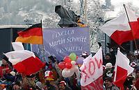 Hopp: 16.12.2001 Engelberg, Schweiz,<br />Fans des Deutschen Martin Schmitt am Sonntag (16.12.2001) beim Weltcup Skispringen im schweizerischen Engelberg. <br /><br />Foto: ANDY MüLLER, Digitalsport