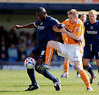 Photo: Daniel Hambury.<br />Southend United v Blackpool. Coca Cola League 1. 08/04/2006.<br />Southend's Shaun Goater and Blackpool's Keith Southerton battle.