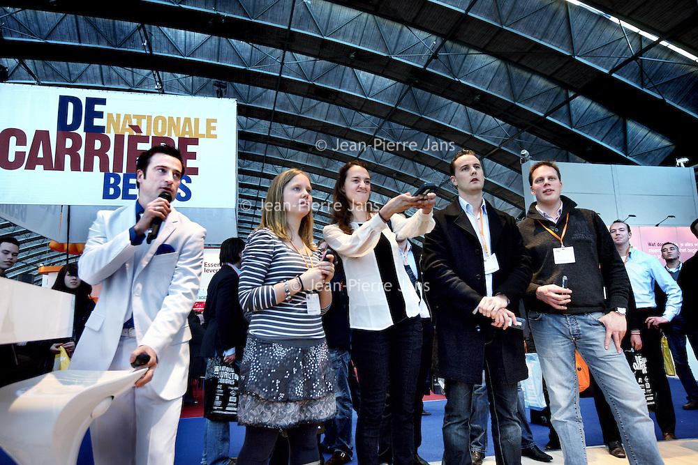 Nederland, Amsterdam , 11 maart 2011..Stand van Delta Loyd, waar bezoekers mee konden doen aan een soort quiz met multiple choice vragen omtrent hoe op de beste manier een  sollicitatiegesprek te voeren..Foto:Jean-Pierre Jans