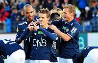Fotball Herrer Tippeligaen 2014<br /> Marienlyst Stadion Gamle Gress  19.10.2014<br /> <br /> Strømsgodset vs Lillestrøm<br /> <br /> Resultat 2 - 0<br /> <br /> Foto: Robert Christensen Digitalsport<br /> <br /> Strømsgodset Martin Ødegaard jub ler og gratuleres av Marvin Ogunjimi , Øyvind Storflor