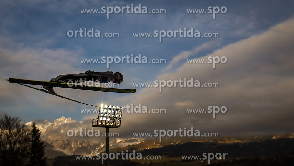06.01.2014, Paul Ausserleitner Schanze, Bischofshofen, AUT, FIS Ski Sprung Weltcup, 62. Vierschanzentournee, Probesprung, im Bild Simon Ammann (SUI) // Simon Ammann (SUI) during Trial Jump of 62nd Four Hills Tournament of FIS Ski Jumping World Cup at the Paul Ausserleitner Schanze, Bischofshofen, Austria on 2014/01/06. EXPA Pictures © 2014, PhotoCredit: EXPA/ JFK