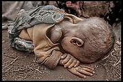 Starving child, Baidoa, Somalia - NEU REVU MAGAZINE (Holland)